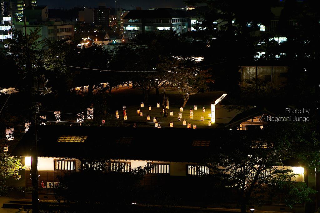 満月と水燈路の行燈  1